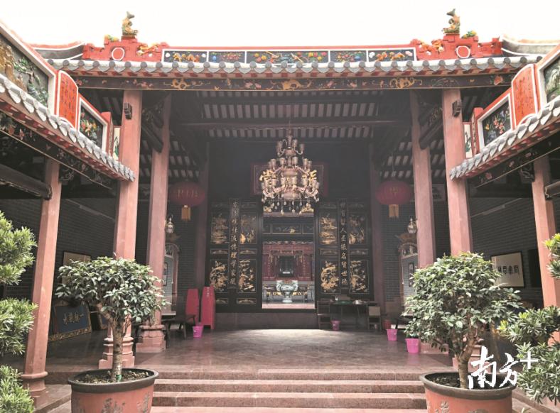 东莞这个社区村民自筹百万元,重修五百年祠堂